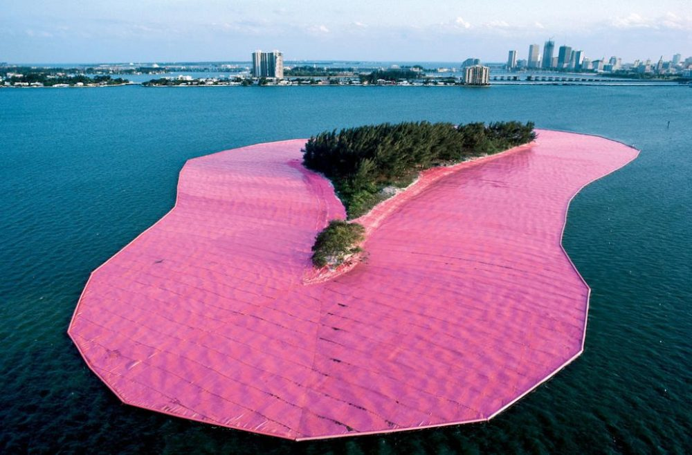 Surrounded-Islands-Biscayne-Bay-Greater-Miami-Florida-1980-83-Christo-and-Jeanne-Claude-1024x674